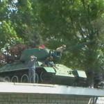 makaberer Kinderspielplatz in Zeiten des Krieges